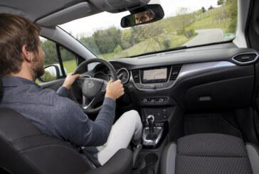 La postura corretta alla guida dell'auto