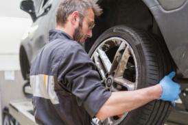 VIDEO – Come controllare il battistrada del pneumatico